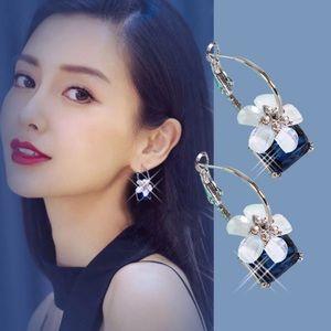 Jewelry - Blue crystal fashion earrings